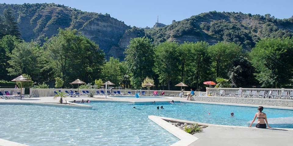 Camping 3 etoiles ardeche ruoms for Camping ardeche 2 etoiles avec piscine