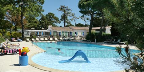 Camping bord de mer le de r 3 toiles avec vagues oc anes for Camping ile de re avec piscine
