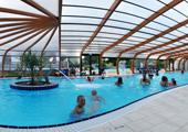 Camping avec piscine couverte et chauff e camping avec for Centre de vacances avec piscine couverte